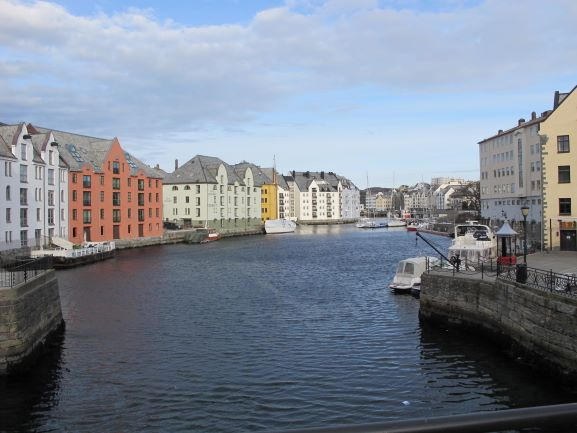 Blick auf den Hafen von Alesund 2